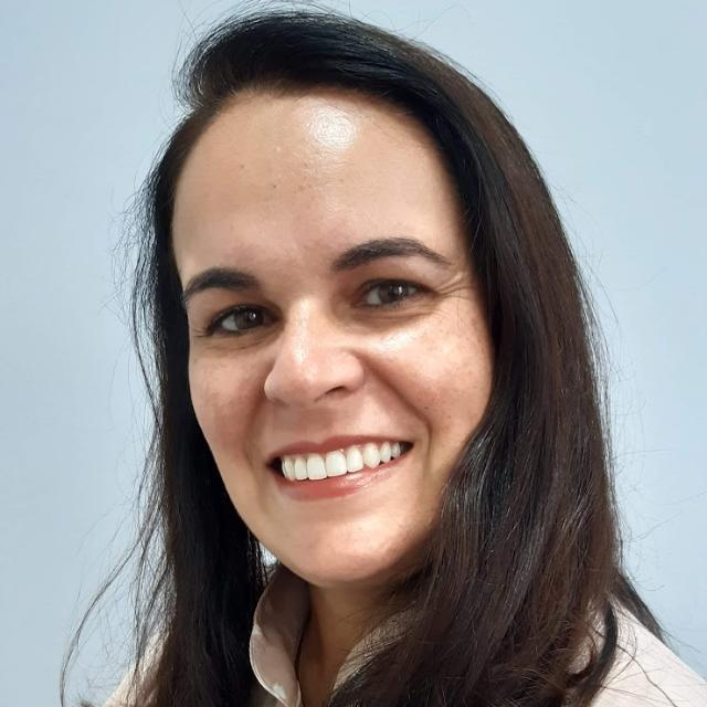 Dra. Renata Lameira